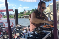 Lesley Farfisa surprise set at the harbor